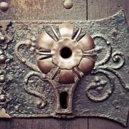door-handle-1152242_640